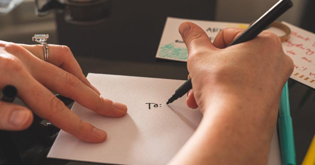 10 ocazii pentru a te exprima în scris